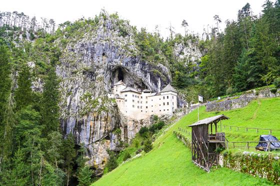 Les coves de Postonja i el Castell Predjama, Eslovènia